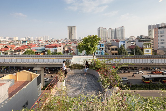 Ngôi nhà với thiết kế 2 lớp mặt tiền chống khói bụi ở Hà Nội - Ảnh 17.