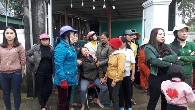 Hà Tĩnh: Đôi vợ chồng nghèo bất lực nhìn lửa thiêu rụi ngôi nhà - Ảnh 3.