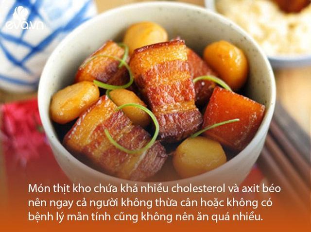 Bác sĩ dinh dưỡng cảnh báo thói quen khi ăn thịt kho tàu ngày Tết dễ gây ngộ độc  - Ảnh 1.