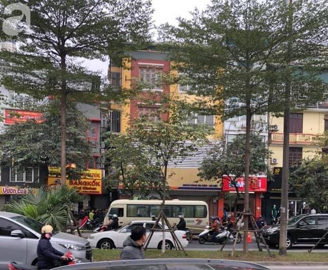 Hà Nội: Hoảng hốt phát hiện người đàn ông tử vong tại vô lăng khi xe đỗ bên đường - Ảnh 1.