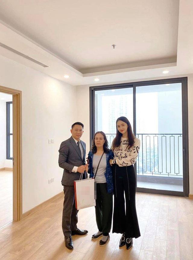 Hương Giang Idol mua nhà tặng mẹ trước Tết Nguyên đán - Ảnh 1.
