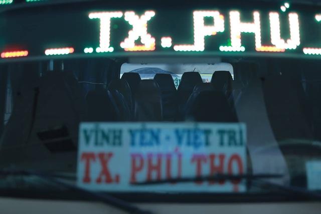 Choáng trước cảnh bến xe vắng tanh, xe xuất bến có đúng 2 khách ngày sát Tết - Ảnh 9.