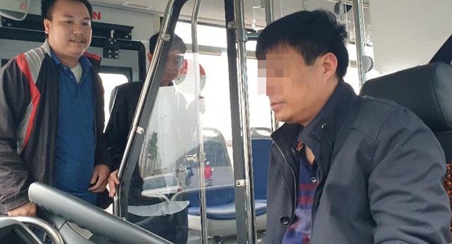 Hà Nội: Phạt 17 triệu đồng, tước GPLX với tài xế lái xe bus vi phạm nồng độ cồn - Ảnh 2.