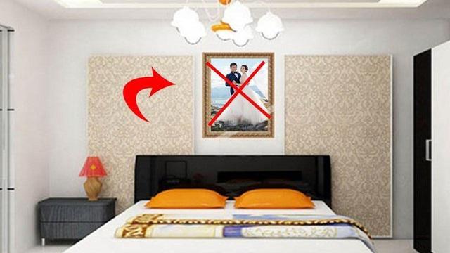 Treo ảnh cưới góc này trong phòng ngủ - sai lầm tai hại nhiều người mắc - Ảnh 1.