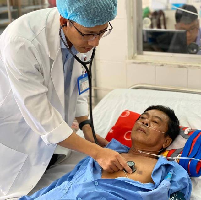 Bệnh nhân hút thuốc lá nhiều năm bị nhồi máu cơ tim vào ngày cận tết - Ảnh 1.