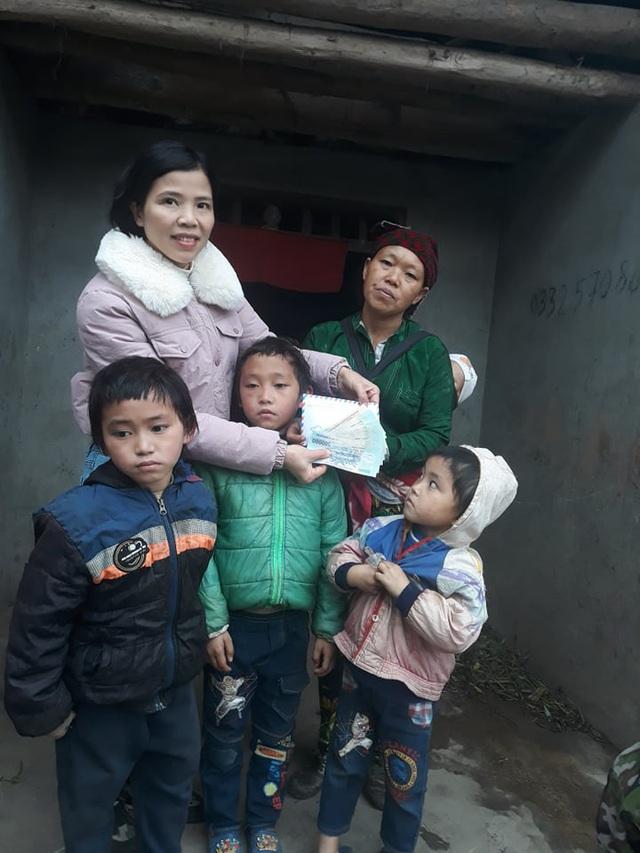 Cậu bé nghèo cõng khối u đi học nhận quà đầu xuân của độc giả Báo Gia đình & Xã hội gửi tặng - Ảnh 3.