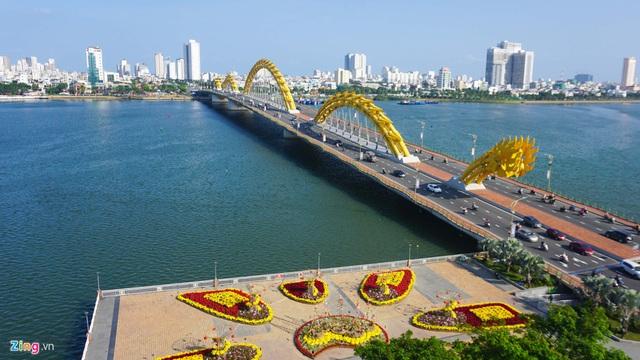 Ngắm đường hoa hơn 6 tỷ ở Đà Nẵng - Ảnh 1.