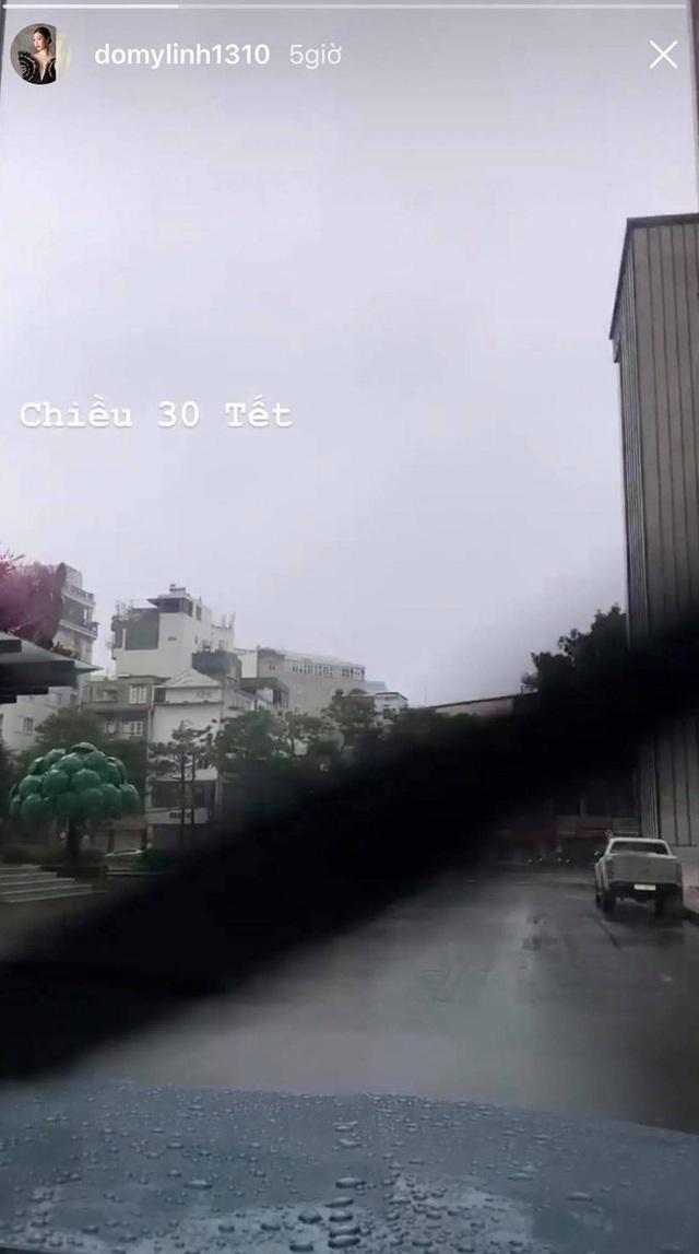 Sao Việt than thở khi gặp mưa lớn ngày 30 Tết - Ảnh 2.