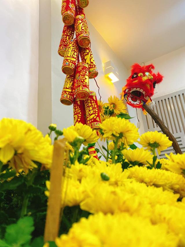 Nhà được trang hoàng ngập sắc hoa của Hoa hậu Khánh Vân - Ảnh 4.