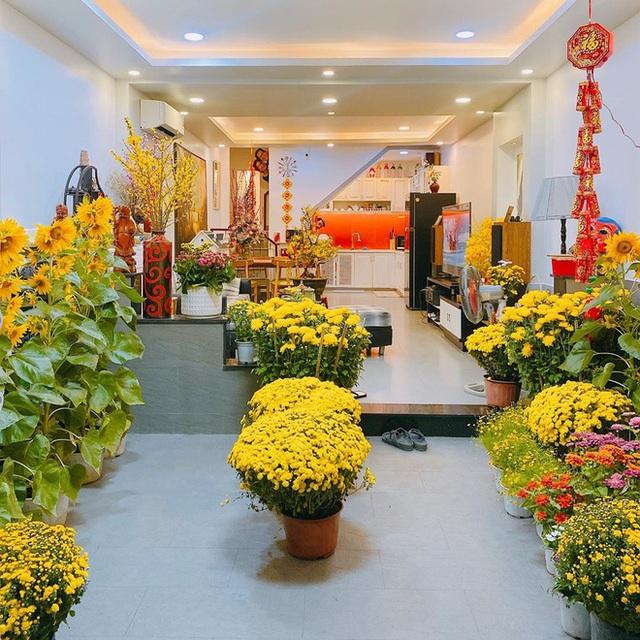Nhà được trang hoàng ngập sắc hoa của Hoa hậu Khánh Vân - Ảnh 5.