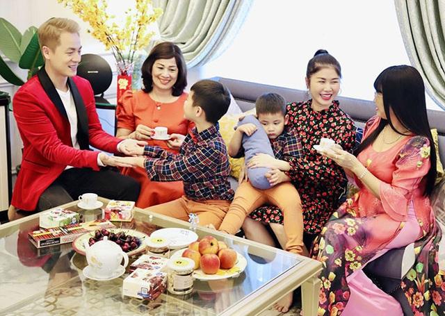 Gia đình Đăng Khôi sum vầy tại biệt thự 2 triệu USD - Ảnh 5.