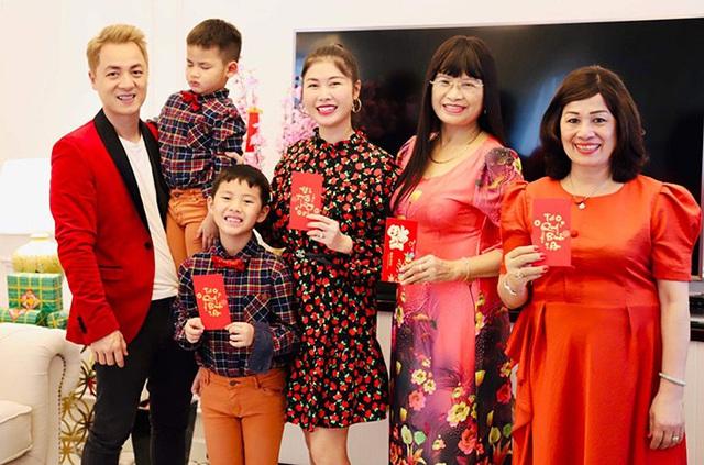 Gia đình Đăng Khôi sum vầy tại biệt thự 2 triệu USD - Ảnh 7.
