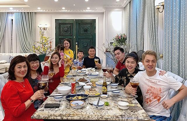 Gia đình Đăng Khôi sum vầy tại biệt thự 2 triệu USD - Ảnh 8.