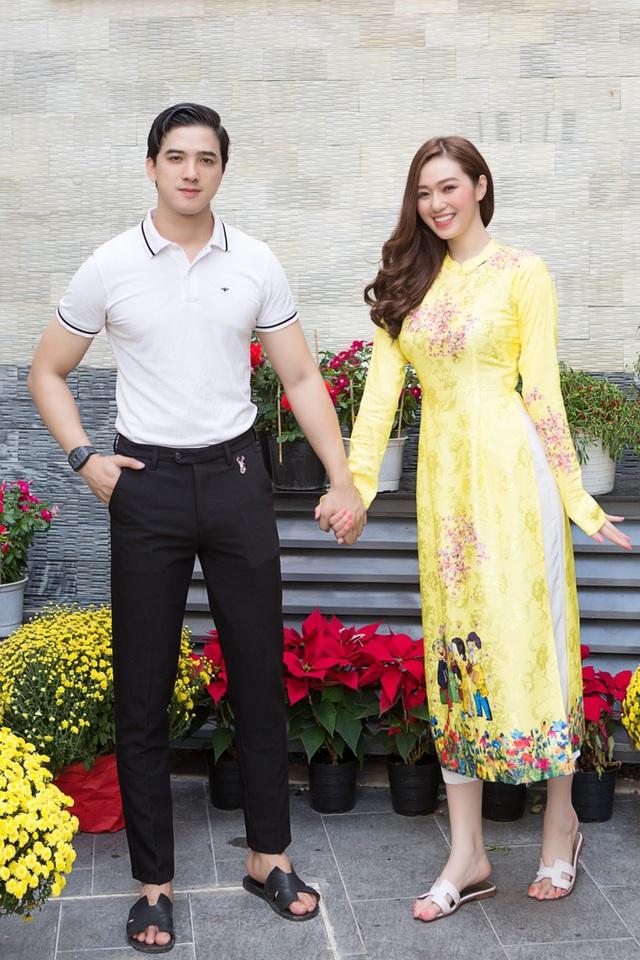 Khánh My và bạn trai trang hoàng cơ ngơi mới - Ảnh 2.