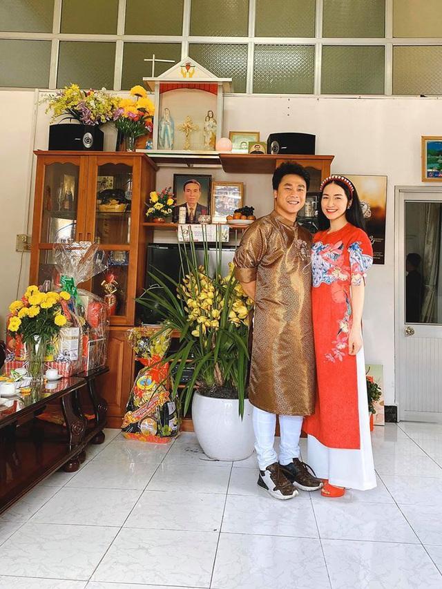 Hòa Minzy xây nhà 2 mặt tiền tặng bố mẹ dịp năm mới - Ảnh 2.
