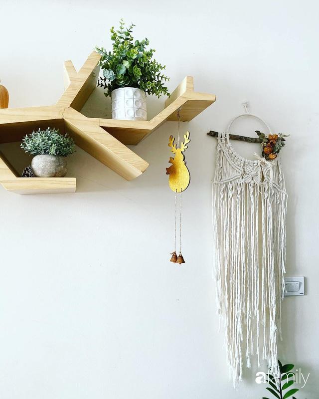 Căn hộ 76,9m² ấm áp với đủ loại hoa và nội thất gỗ ở Mỹ Đình, Hà Nội - Ảnh 26.