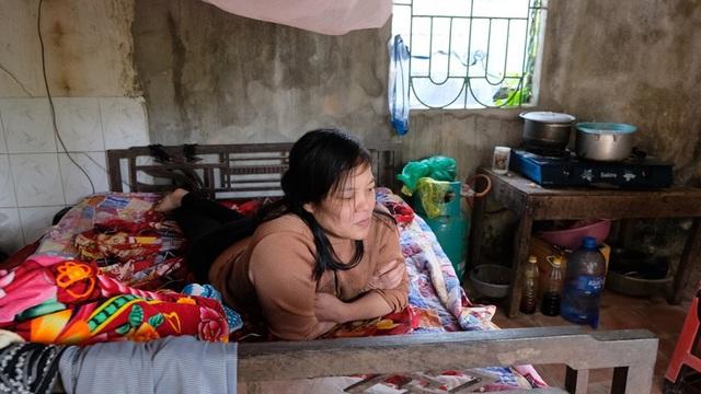 Nghẹn lòng cuộc sống cô độc của người phụ nữ bị bại liệt suốt 20 năm - Ảnh 3.