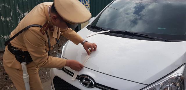 Hà Nội: Vừa mua xe ô tô, chủ xe bị phạt 40 triệu, tước GPLX 2 năm do vi phạm nồng độ cồn - Ảnh 3.