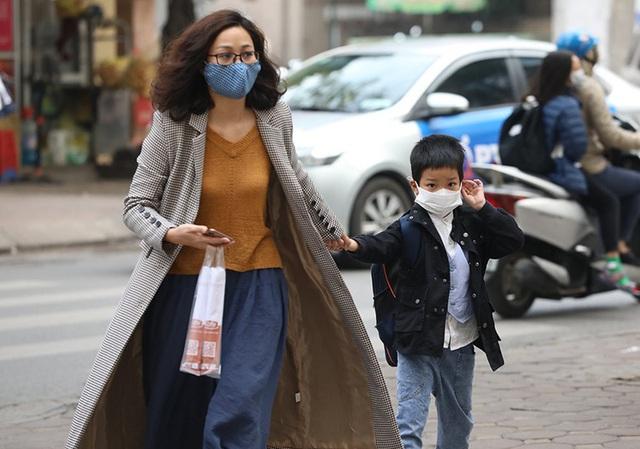 Người Hà Nội tìm cách chặn dịch viêm phổi Vũ Hán  - Ảnh 1.