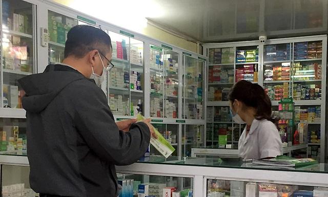 Người Hà Nội tìm cách chặn dịch viêm phổi Vũ Hán  - Ảnh 2.