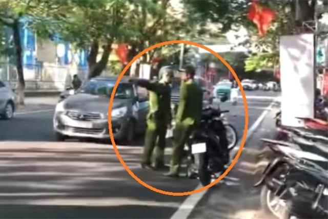Hi Hữu: Chiến sĩ công an huyện đi vào đường ngược chiều do lâu ngày không lên thành phố  - Ảnh 1.