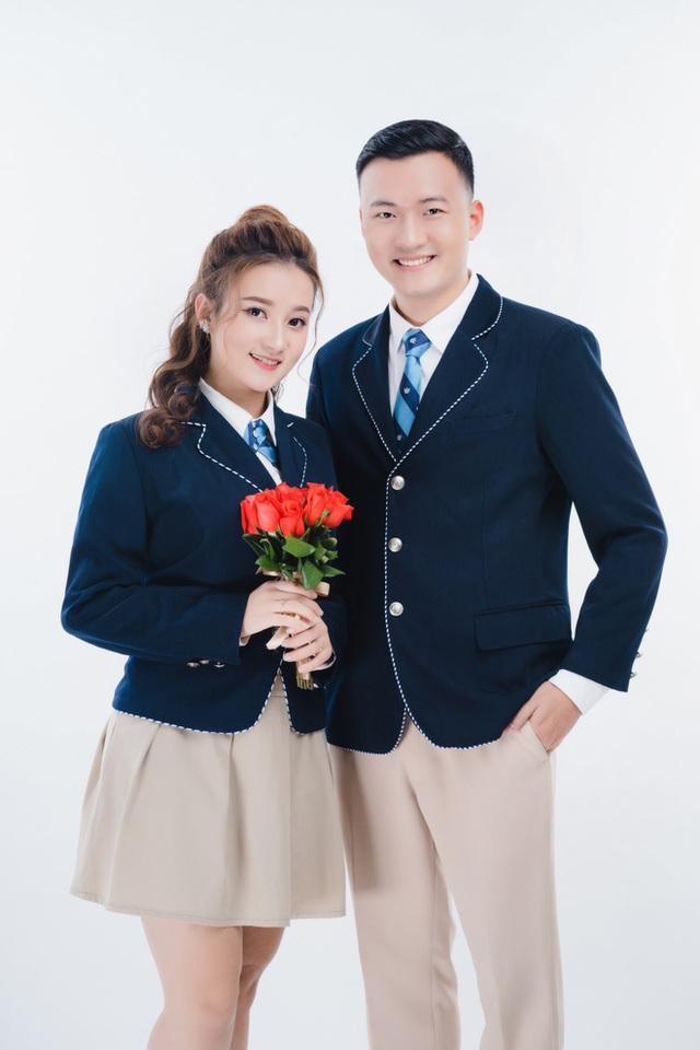 Chân dung bà xã xinh đẹp, MC Trần Tùng vội vã cưới khi cô vừa tròn 18 tuổi - Ảnh 1.