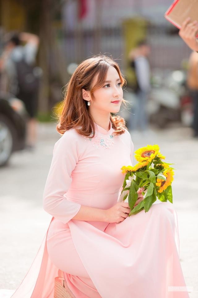 Chân dung bà xã xinh đẹp, MC Trần Tùng vội vã cưới khi cô vừa tròn 18 tuổi - Ảnh 3.