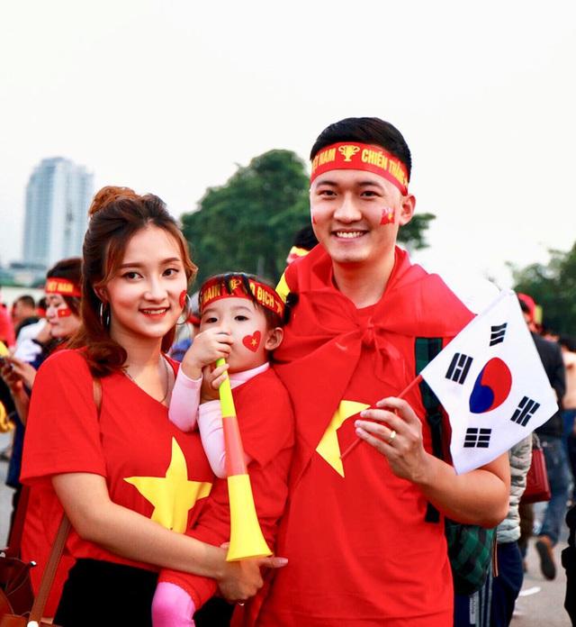 Chân dung bà xã xinh đẹp, MC Trần Tùng vội vã cưới khi cô vừa tròn 18 tuổi - Ảnh 4.