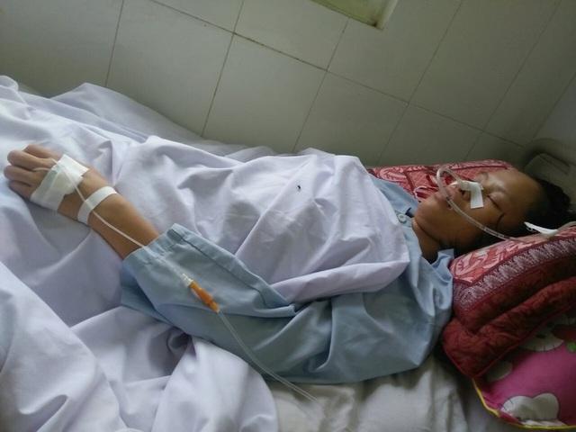 Nỗi đau của người mẹ nằm liệt sau sinh nhìn con thơ phải sống nhờ nguồn sữa của người lạ - Ảnh 2.