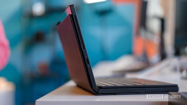 Laptop màn hình gập đầu tiên trên thế giới, giá 2.500 USD - Ảnh 8.