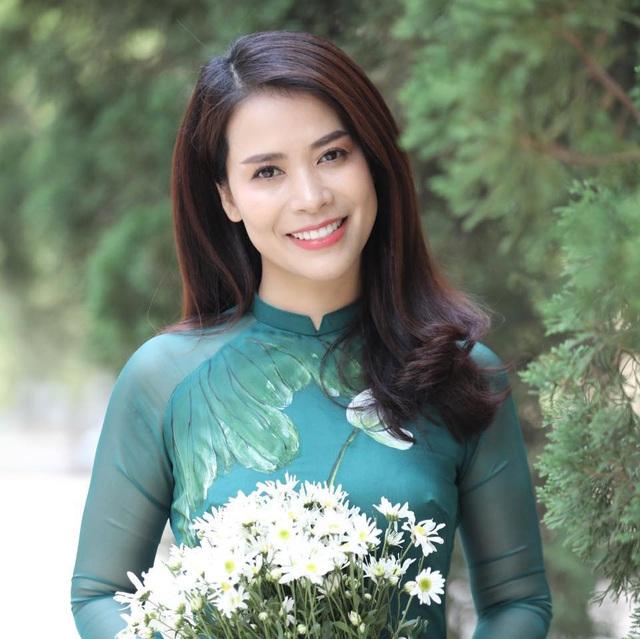 Ngắm nhan sắc như hoa hậu của người yêu nghệ sĩ Chí Trung - Ảnh 7.