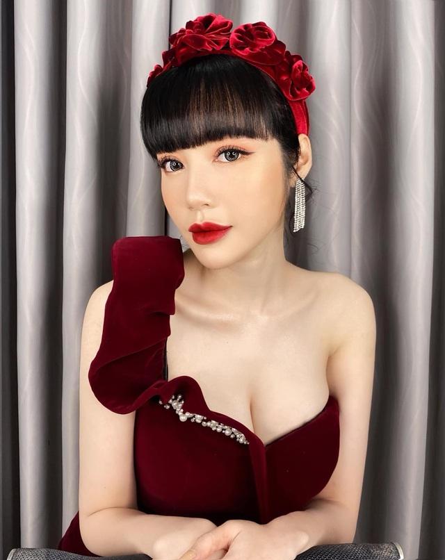 Elly Trần và Hà Tăng cùng đu trend bờm nhung nhưng người quyến rũ bạo liệt, người lại biến hóa khôn lường - Ảnh 3.