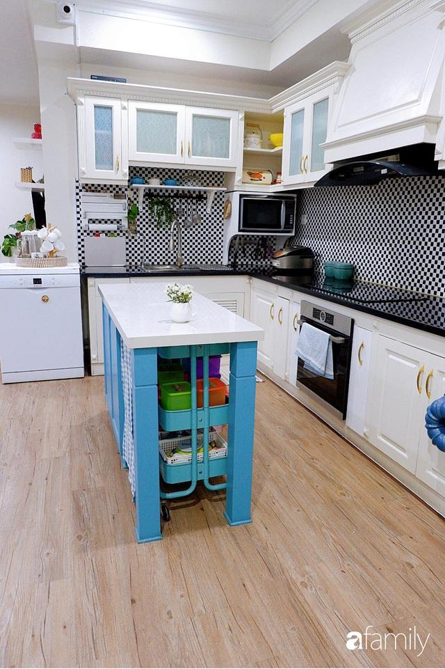 Căn bếp nhỏ xíu xây nhiều năm vẫn gọn đẹp như mới của mẹ đảm ở TP. HCM - Ảnh 3.