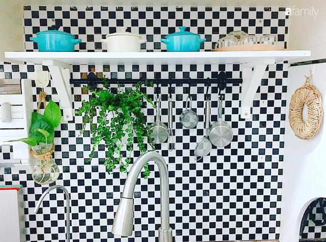 Căn bếp nhỏ xíu xây nhiều năm vẫn gọn đẹp như mới của mẹ đảm ở TP. HCM - Ảnh 12.