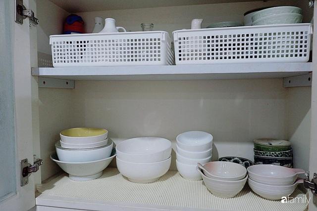 Căn bếp nhỏ xíu xây nhiều năm vẫn gọn đẹp như mới của mẹ đảm ở TP. HCM - Ảnh 13.