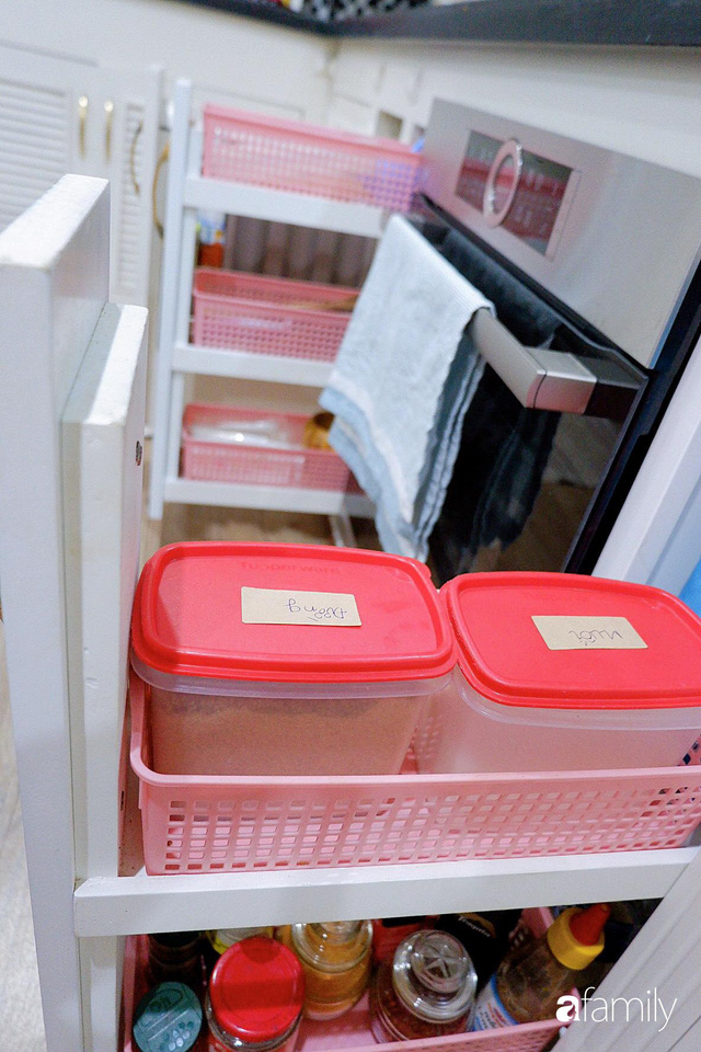 Căn bếp nhỏ xíu xây nhiều năm vẫn gọn đẹp như mới của mẹ đảm ở TP. HCM - Ảnh 21.