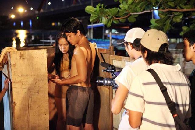 Hai cảnh nóng hiếm hoi nhưng đầy táo bạo trong sự nghiệp của Việt Hương - Ảnh 2.