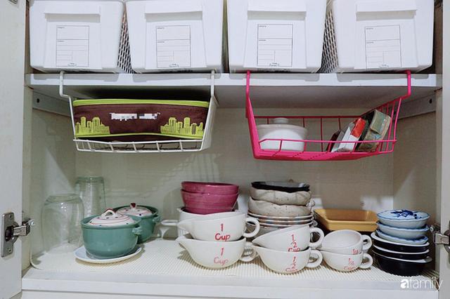 Căn bếp nhỏ xíu xây nhiều năm vẫn gọn đẹp như mới của mẹ đảm ở TP. HCM - Ảnh 8.