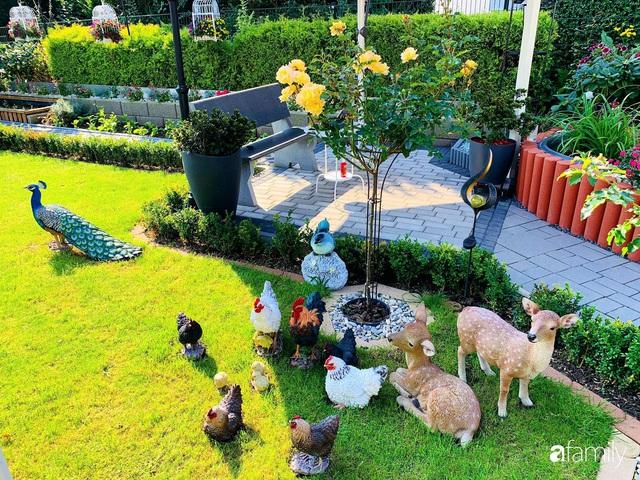 Vườn hoa 500m² đẹp như cổ tích được tạo bởi tình yêu thiên nhiên của cặp vợ chồng dành cả thanh xuân để trồng cây - Ảnh 11.