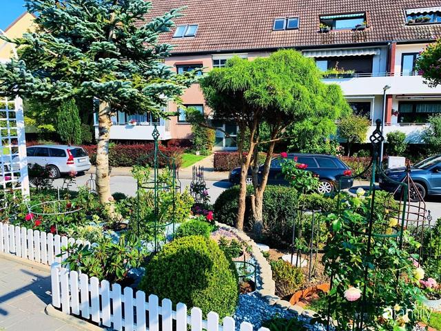 Vườn hoa 500m² đẹp như cổ tích được tạo bởi tình yêu thiên nhiên của cặp vợ chồng dành cả thanh xuân để trồng cây - Ảnh 6.