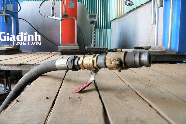 Hải Phòng: Phát hiện nhiều thiết bị sang chiết gas trong cảng Lê Quốc - Ảnh 2.
