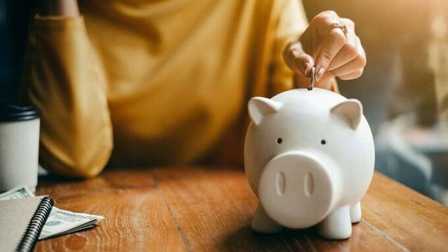 Cách tiết kiệm tiền lúc khó khăn - Ảnh 1.