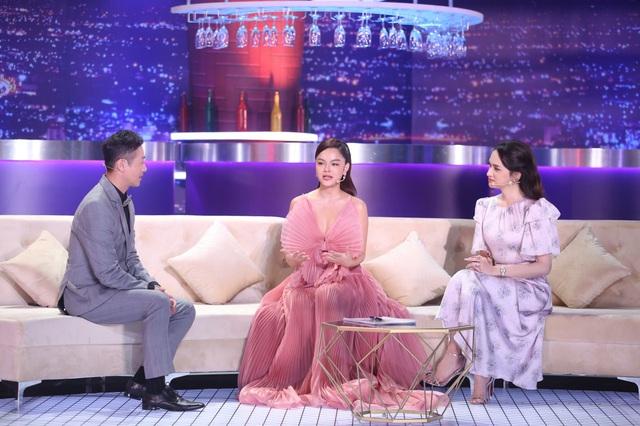 """Sau biến cố hôn nhân, Phạm Quỳnh Anh lần đầu nhắc đến """"ông bầu Quang Huy trên sóng truyền hình - Ảnh 2."""