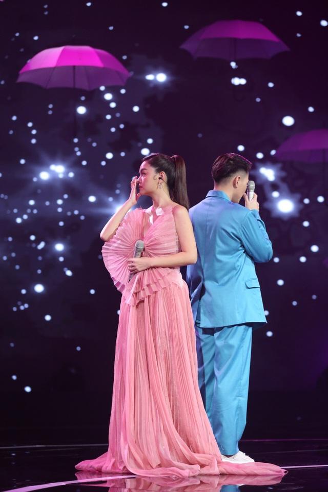 """Sau biến cố hôn nhân, Phạm Quỳnh Anh lần đầu nhắc đến """"ông bầu Quang Huy trên sóng truyền hình - Ảnh 4."""