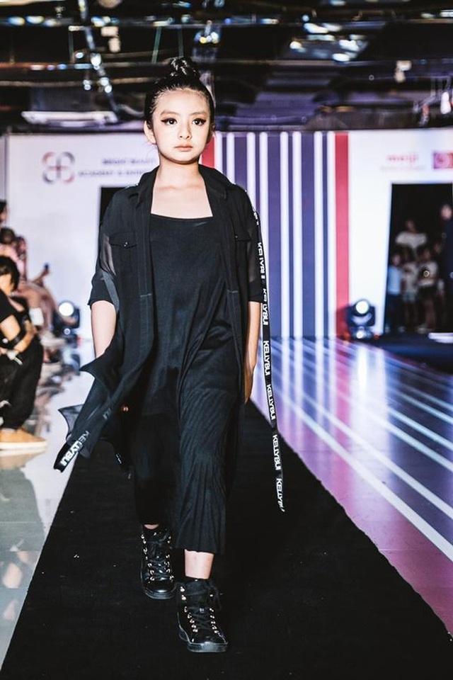 """Nhân ngày 20/10, cựu người mẫu Thuý Hằng: """"20 năm hôn nhân chúng tôi chưa một lần to tiếng - Ảnh 3."""