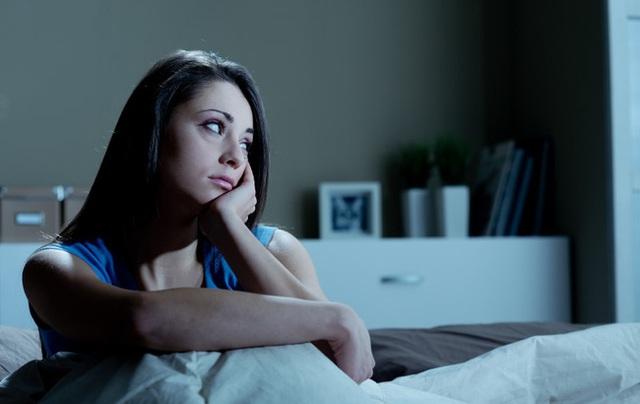Bổ tư quả chanh đặt ở giường khi ngủ, bạn sẽ nhận được vô vàn lợi ích, vào ngày mưa lạnh lẽo lại càng nên thử - Ảnh 3.