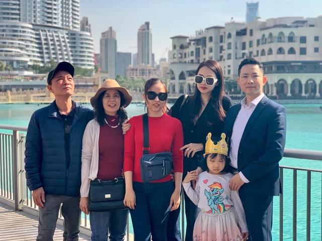 Chân dung người phụ nữ Hương Giang Idol mượn thân phận để nổi tiếng, sống lặng lẽ bên chồng con - Ảnh 3.