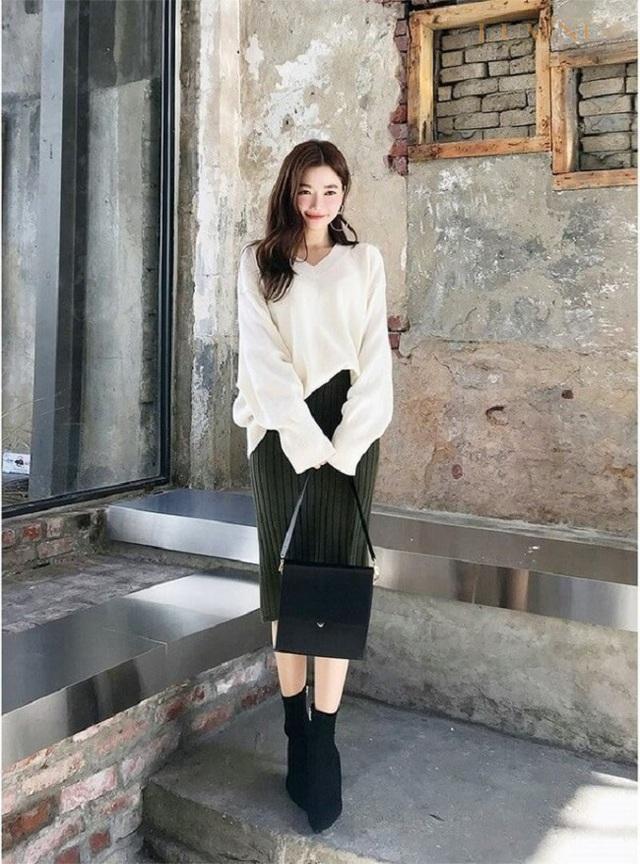 3 kiểu chân váy hot rần rần mùa Thu Đông 2020, nàng có vóc dáng khó mặc đến cũng không thể cưỡng lại được - Ảnh 11.