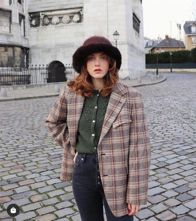 3 kiểu áo len phụ nữ Pháp hay diện nhất mùa lạnh, muốn thăng hạng style thì bạn phải update ngay - Ảnh 1.