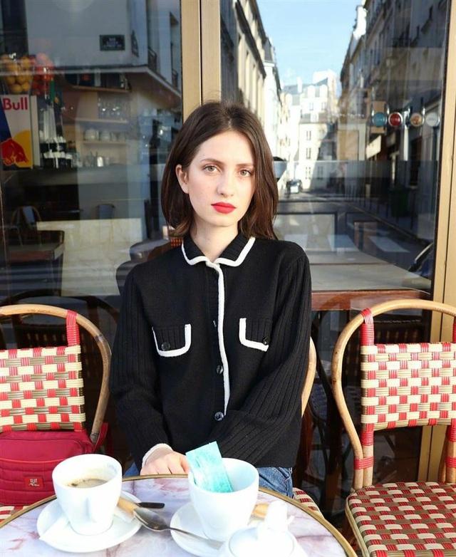 3 kiểu áo len phụ nữ Pháp hay diện nhất mùa lạnh, muốn thăng hạng style thì bạn phải update ngay - Ảnh 8.